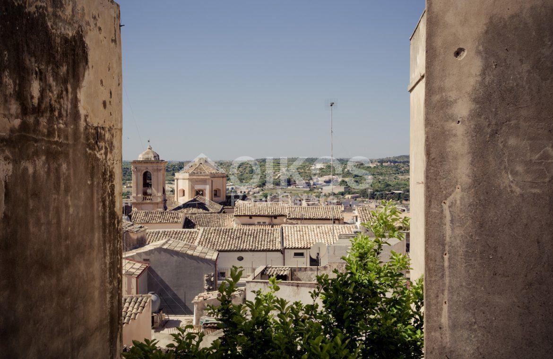 Casa con terrazzo in centro storico 1