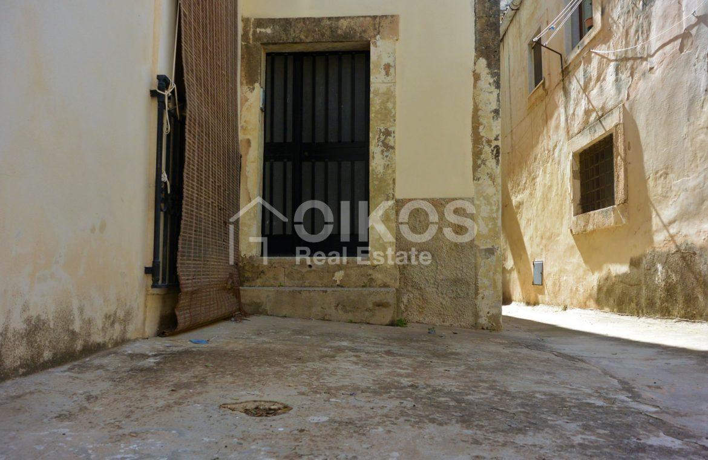 Casa singola in pieno centro storico 2