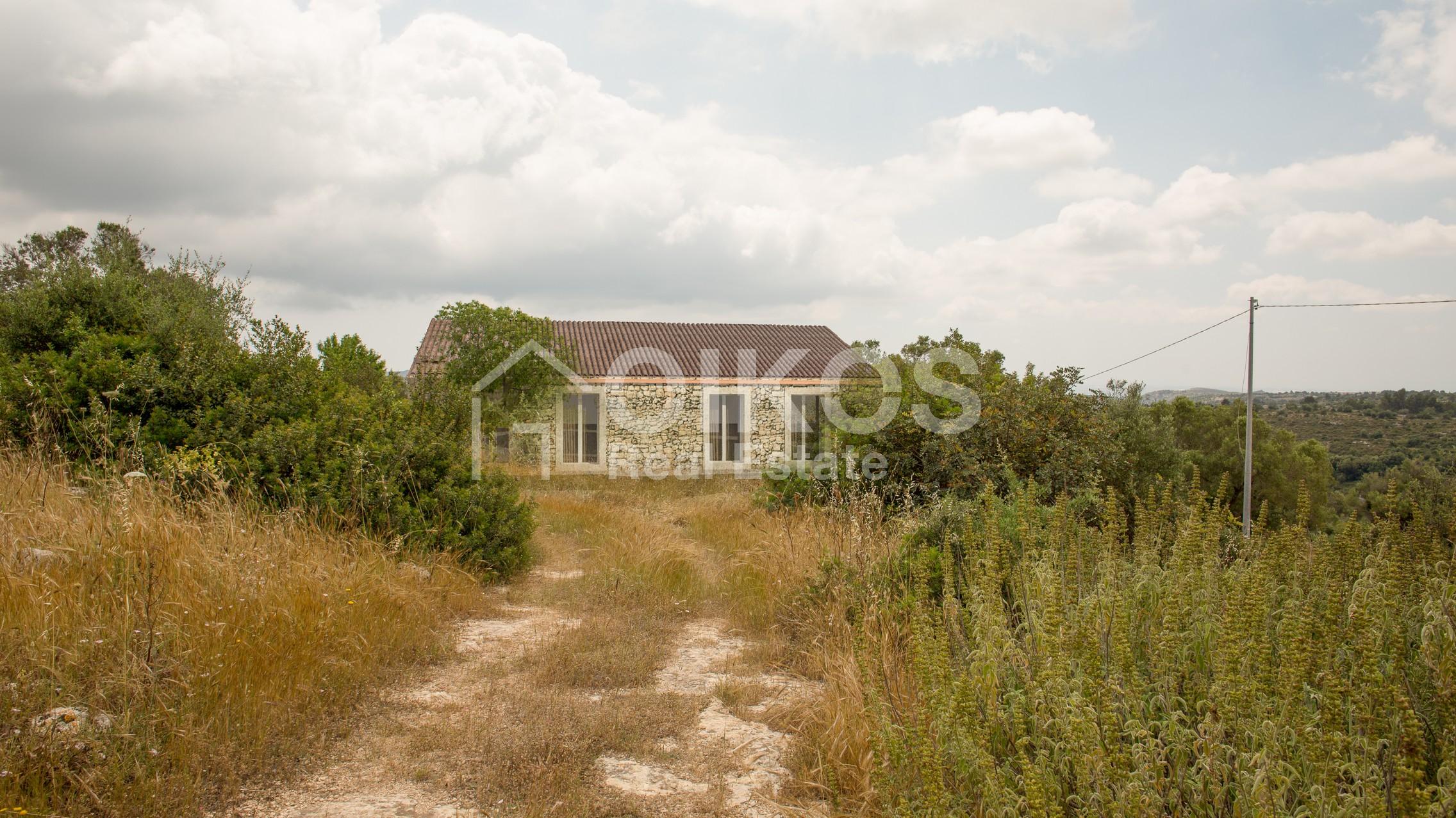 caseggiato con dependance nei pressi di Villa Vela 11