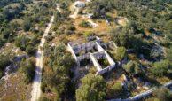 caseggiato con dependance nei pressi di Villa Vela 8