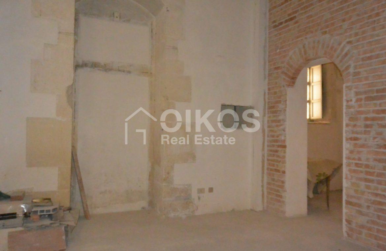 palazzetto storico zona Crocifisso 11