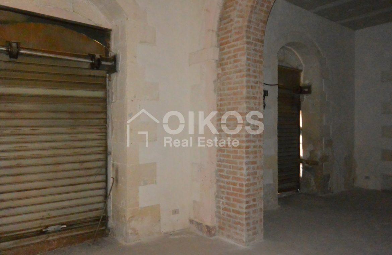 palazzetto storico zona Crocifisso 12