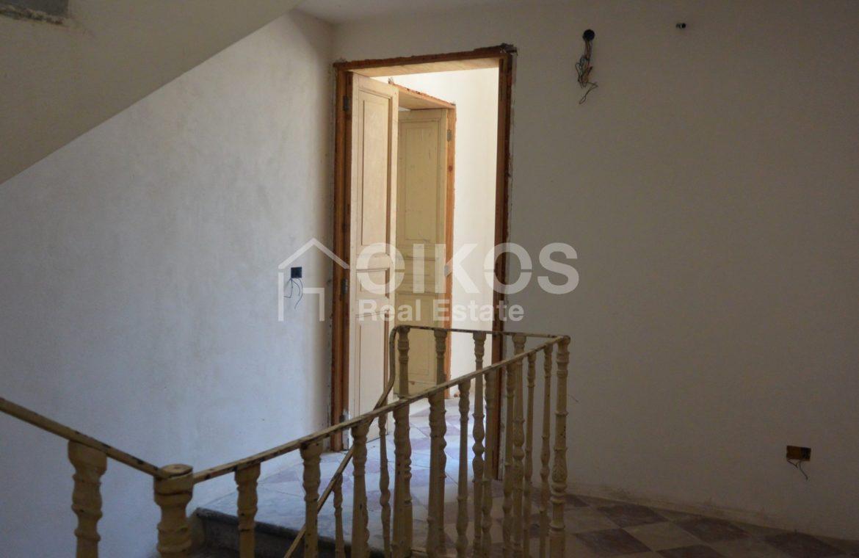 palazzetto storico zona Crocifisso 13