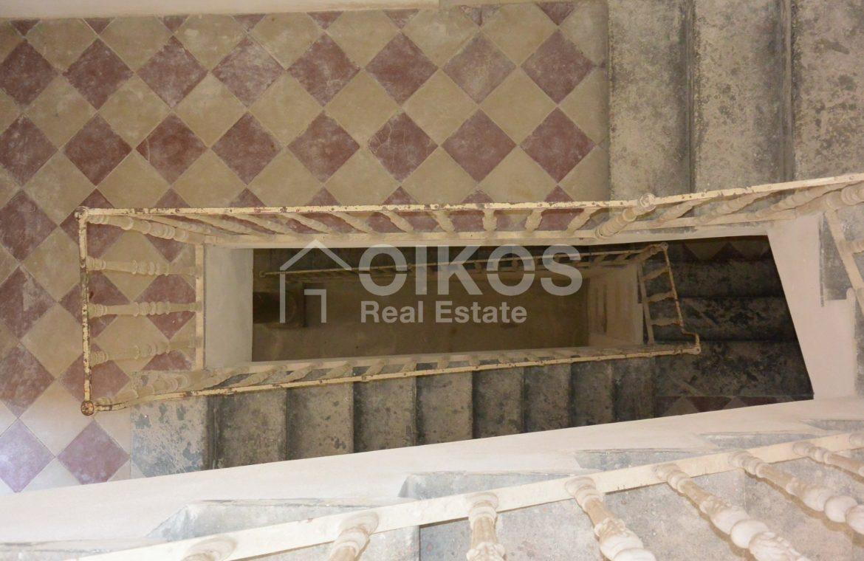 palazzetto storico zona Crocifisso 28