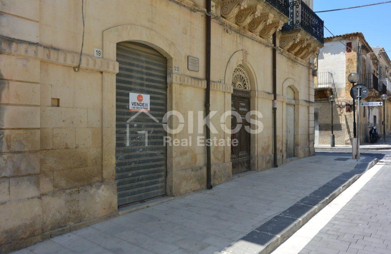 palazzetto storico zona Crocifisso 3