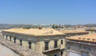 palazzetto storico zona Crocifisso 32