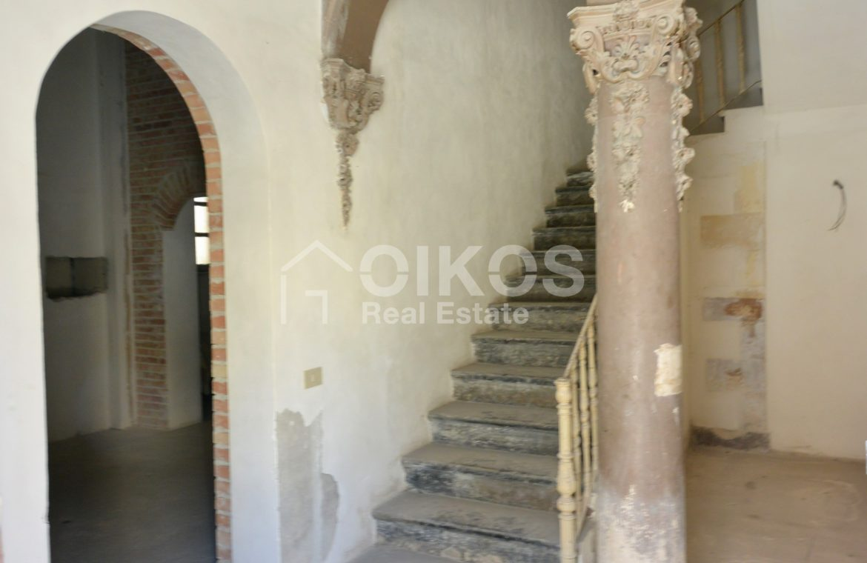 palazzetto storico zona Crocifisso 5