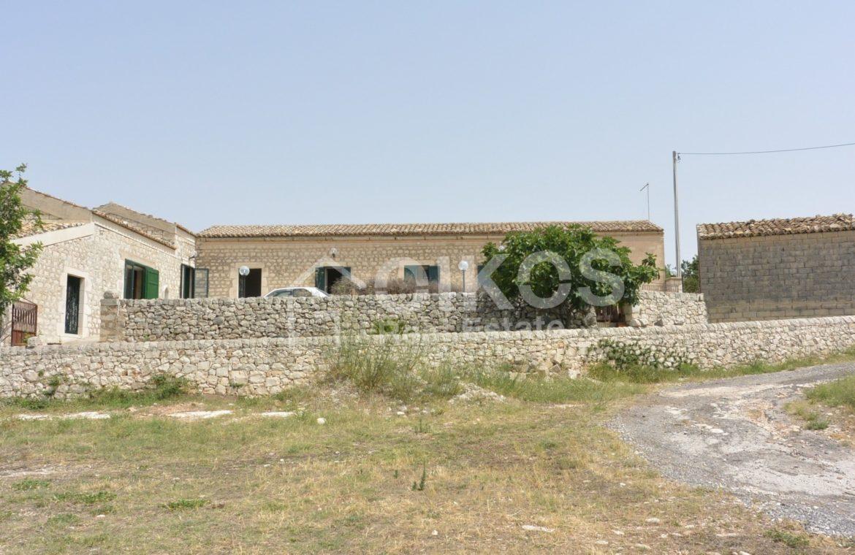 Ampio Caseggiato con vista panoramica 0