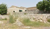 Ampio Caseggiato con vista panoramica 1