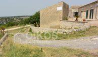 Ampio Caseggiato con vista panoramica 2