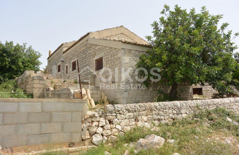Ampio Caseggiato con vista panoramica 3