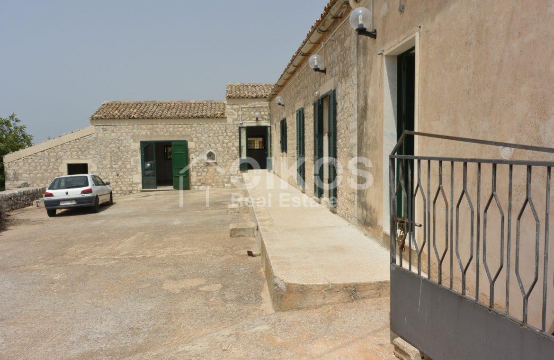 Ampio Caseggiato con vista panoramica 7