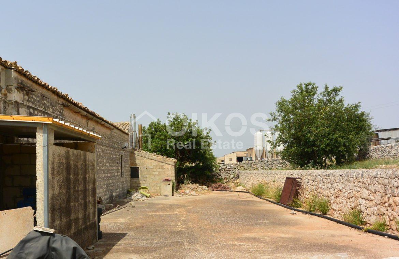 Ampio Caseggiato con vista panoramica 9