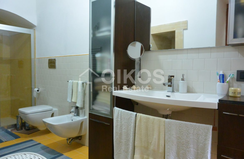 Appartamento ristrutturato in via Aurispa 12