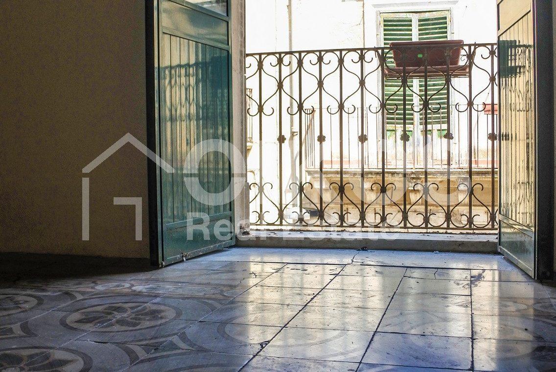 Elegante Appartamento storico in via Ducezio 19
