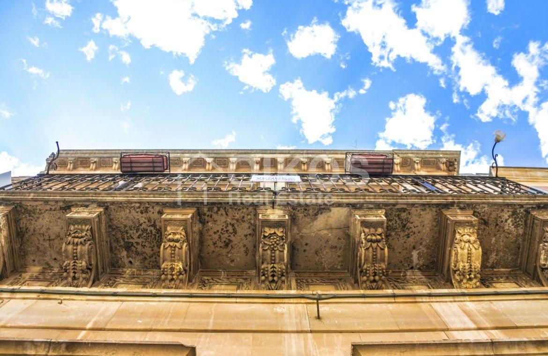 Elegante Appartamento storico in via Ducezio 4