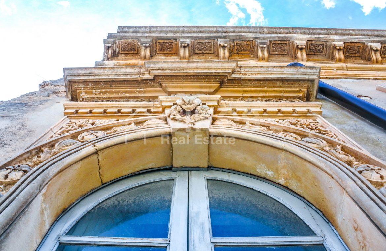 Elegante Appartamento storico in via Ducezio 6