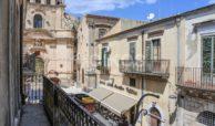 Elegante Appartamento storico in via Ducezio 8