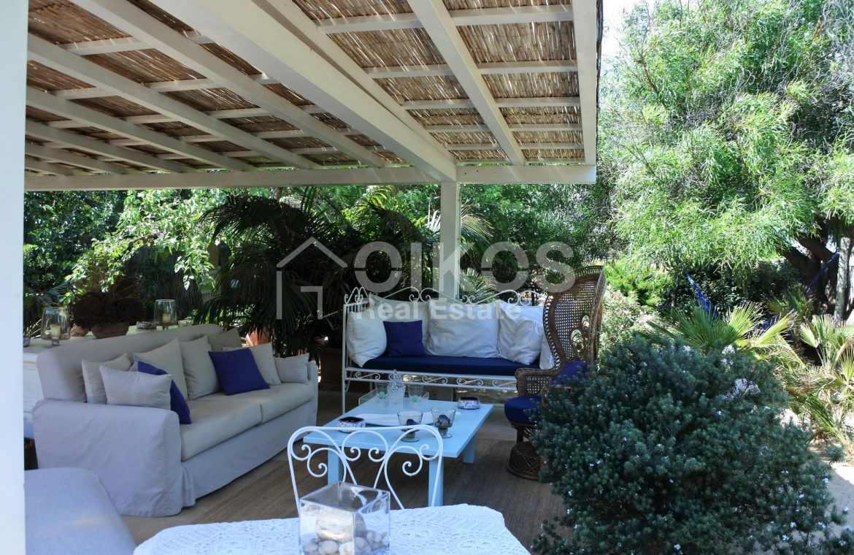 Villa Baia fronte mare con dependance 10