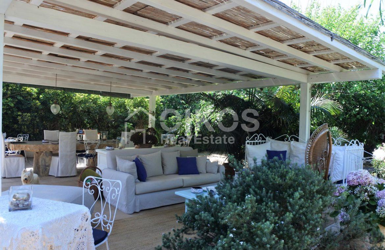 Villa Baia fronte mare con dependance 11