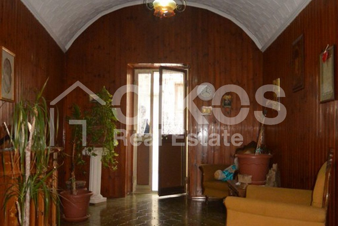casa liberty con terrazzo, garage e cortile 8