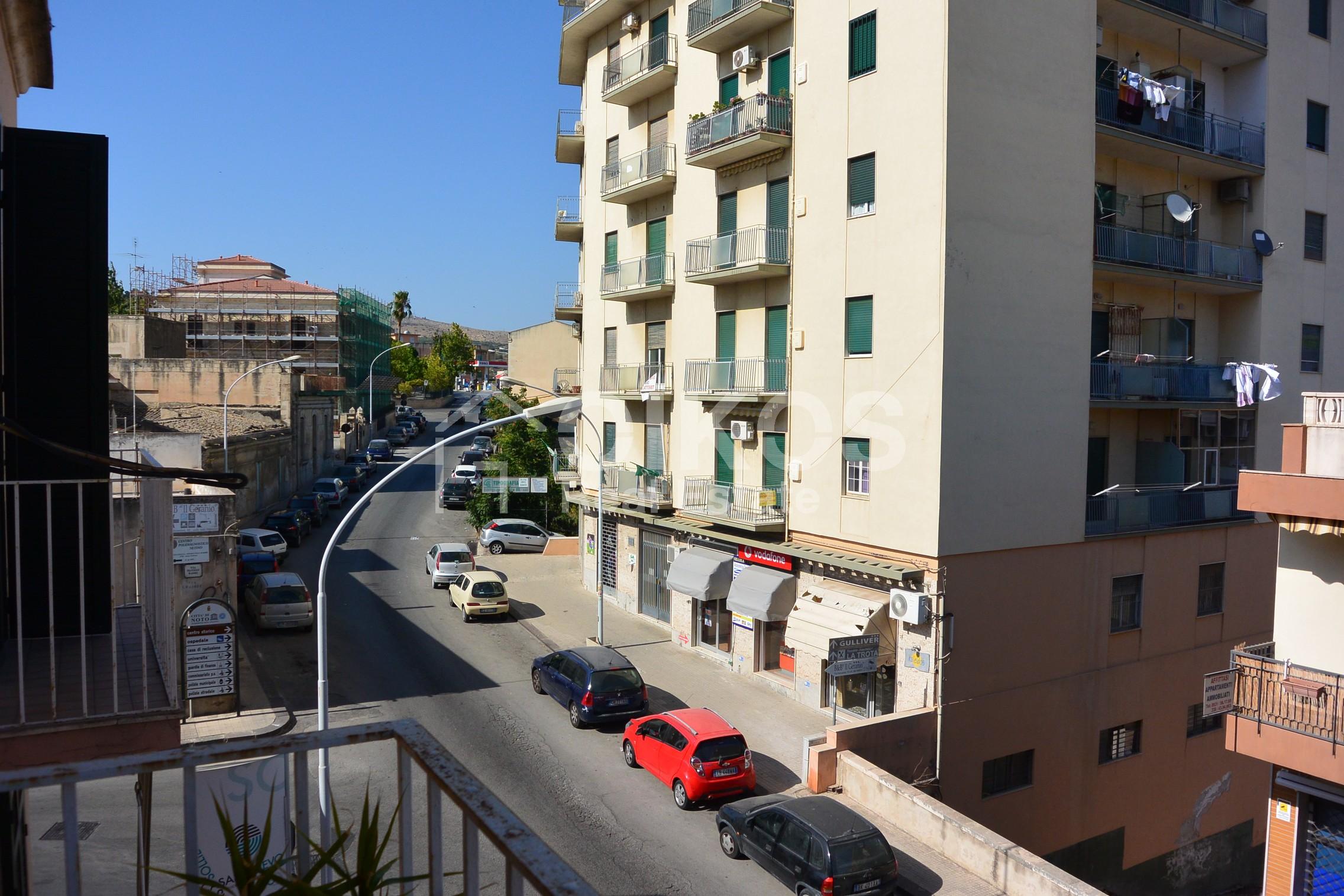 Luminoso appartamento in via Napoli 1