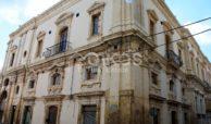 Palazzo dei Padri Crociferi in via Cavour 1