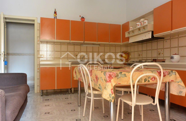 Appartamento primo piano difronte piazza Bolivar (1)