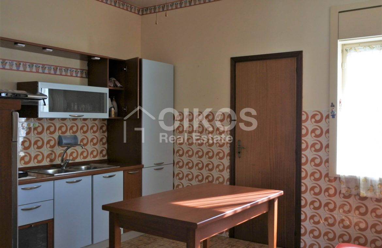 immobile con due unità abitative e terrazzo 15