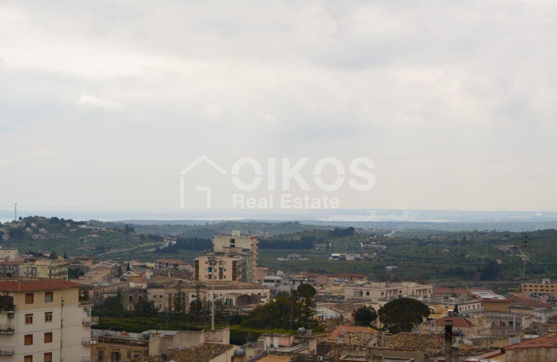Casa con terrazzo e vista panoramica in via Digione 14