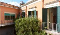 Centralissima casa con ampio terrazzo e giardino 11