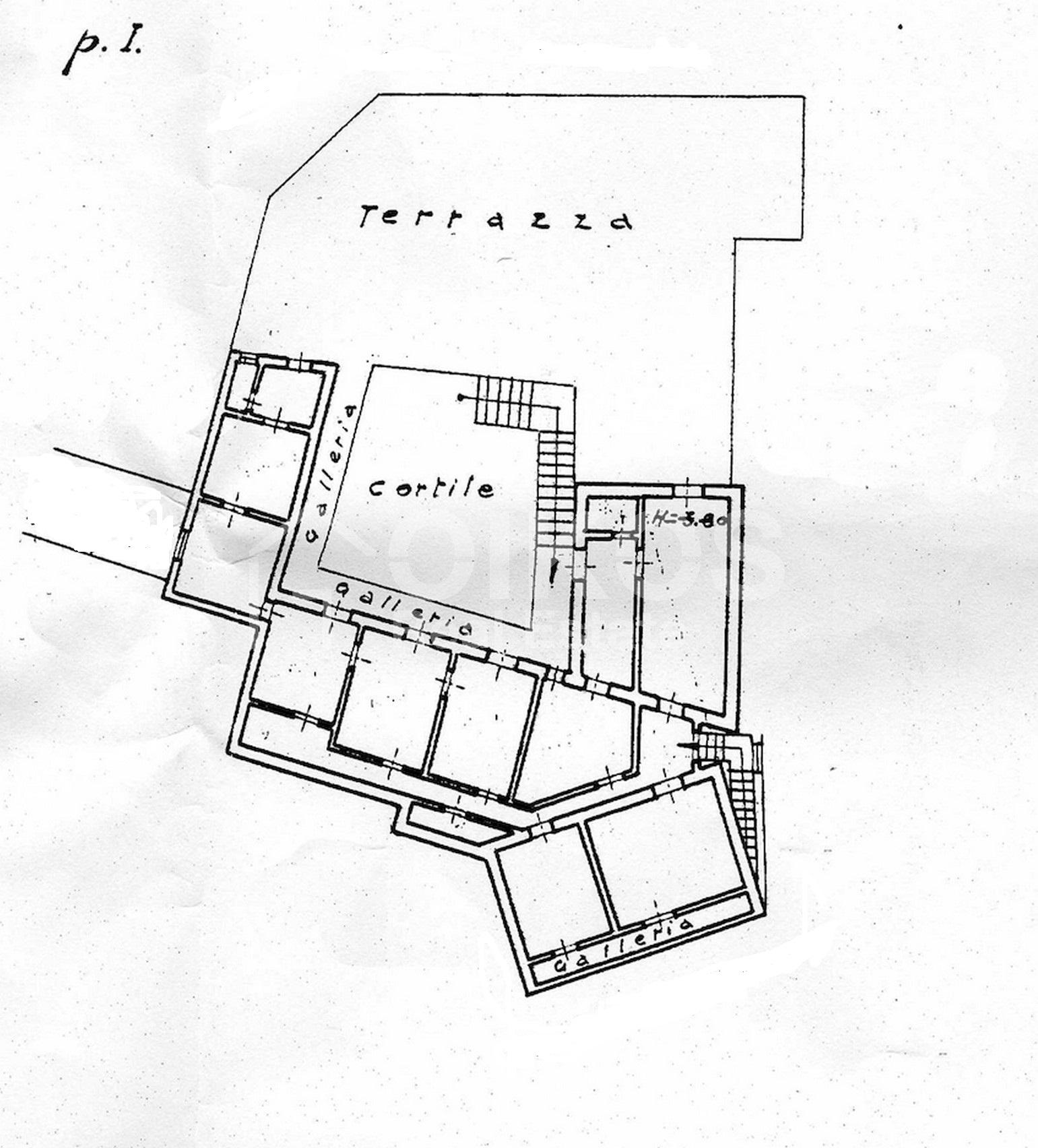 Centralissima casa con ampio terrazzo e giardino 21