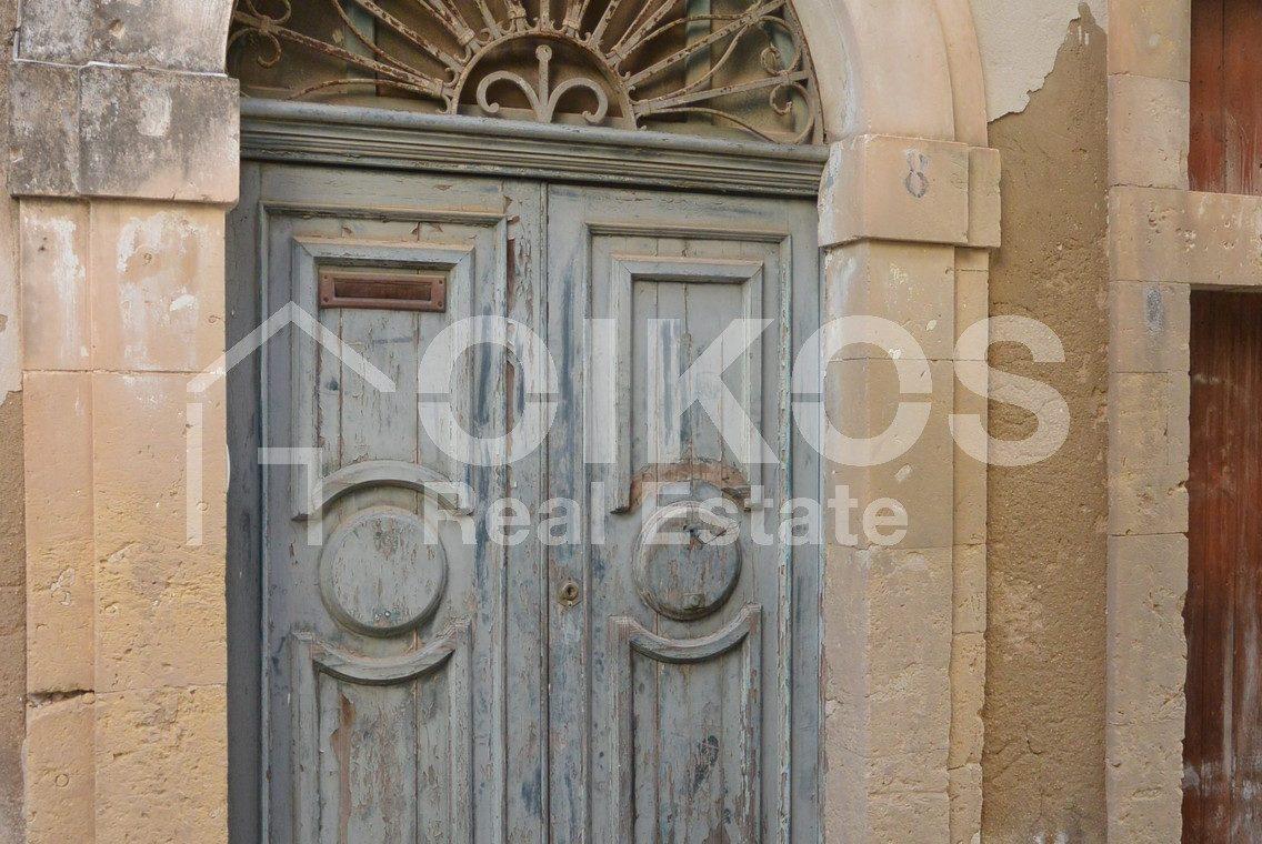 Elegante palazzetto Liberty in zona Crocifisso 4