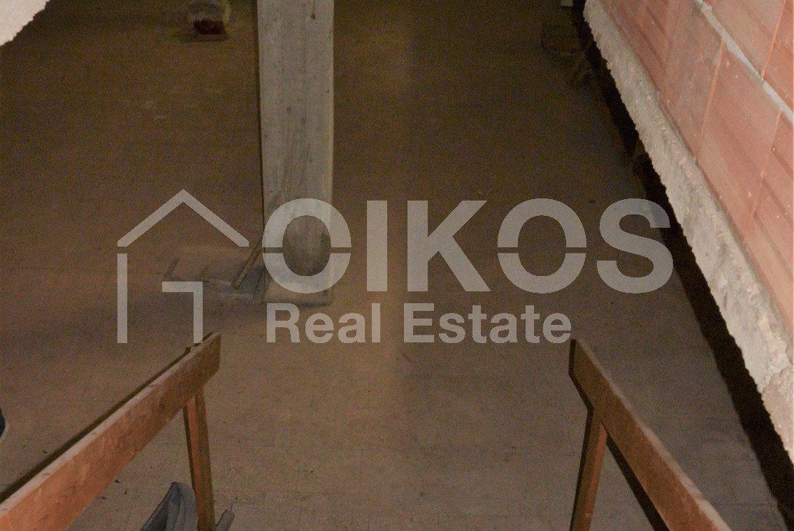 Unità immobiliare su tre livelli con garage e giardino 11
