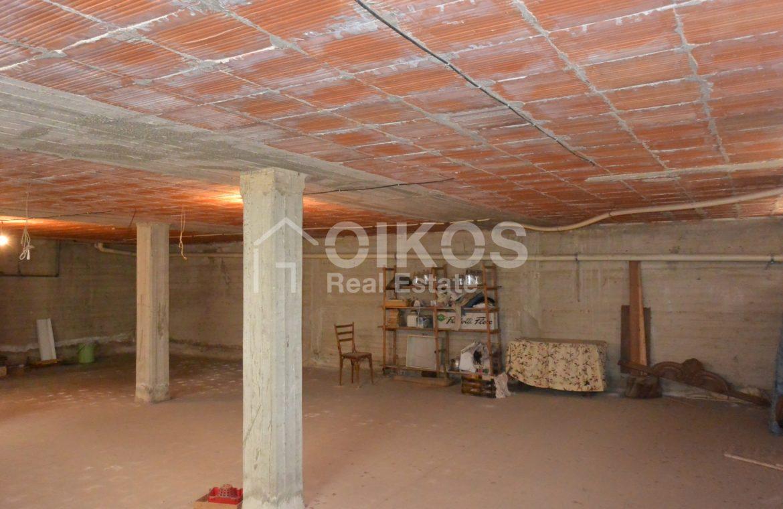 Unità immobiliare su tre livelli con garage e giardino 12