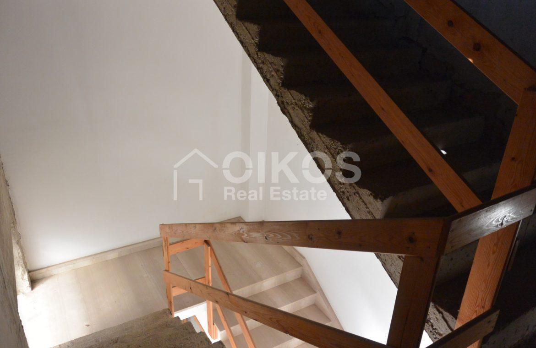 Unità immobiliare su tre livelli con garage e giardino 13