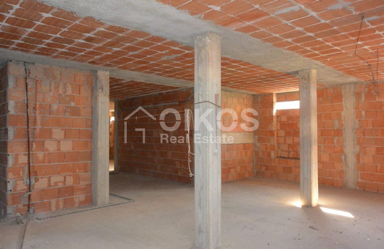 Unità immobiliare su tre livelli con garage e giardino 15