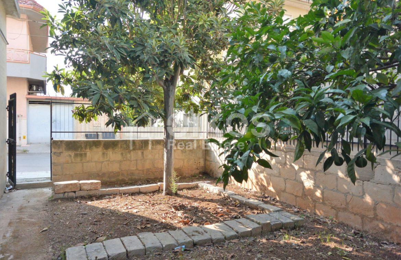 Unità immobiliare su tre livelli con garage e giardino 19