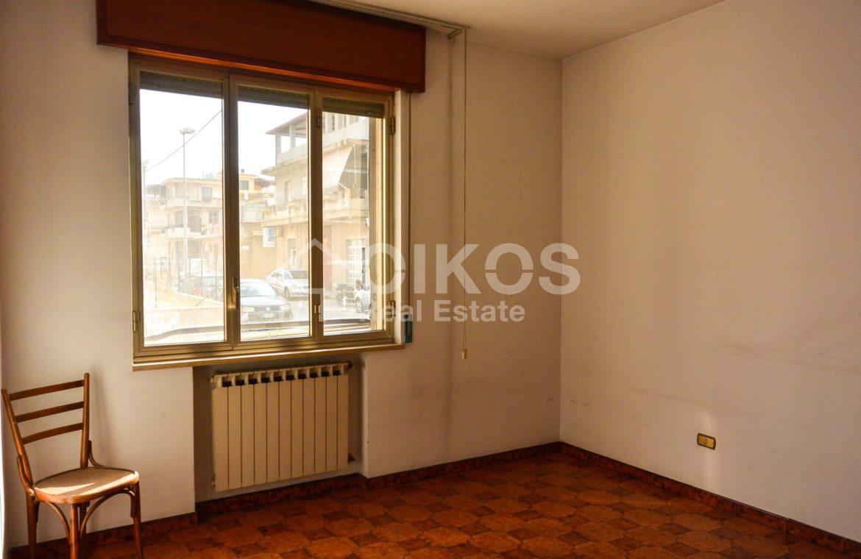 Unità immobiliare su tre livelli con garage e giardino 8