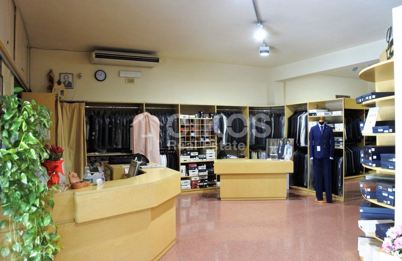 Ampio locale commerciale a Rosolini 2