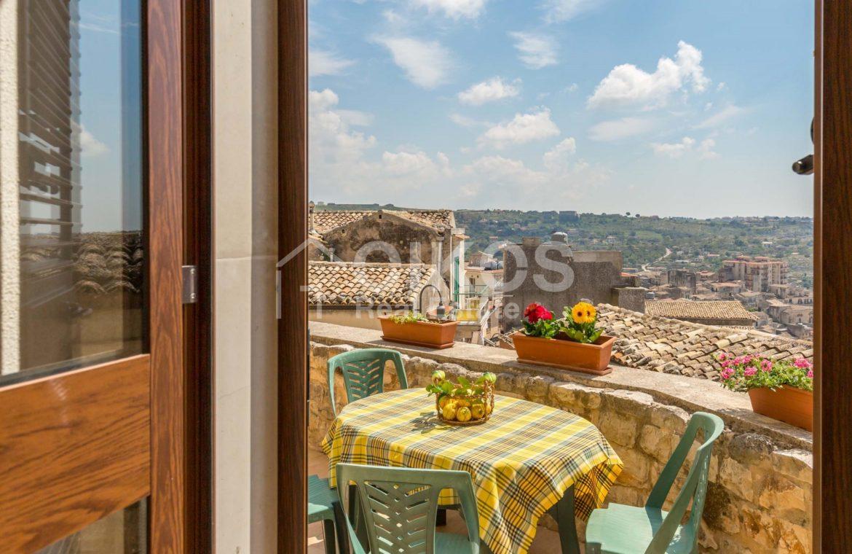 Casa con terrazzino e vista panoramica 2
