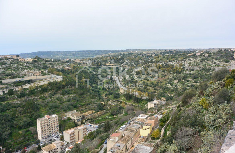 Casa con terrazzino e vista panoramica 8