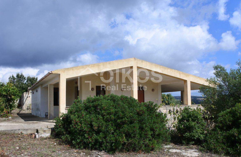 Villetta in campagna con ampia veranda 2