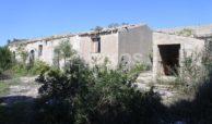 Antico caseggiato rurale con ampio terreno 2