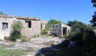 Antico caseggiato rurale con ampio terreno 4