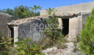 Antico caseggiato rurale con ampio terreno 7