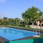 Villa ristrutturata con giardino e piscina 1