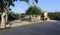 Villa ristrutturata con giardino e piscina 4