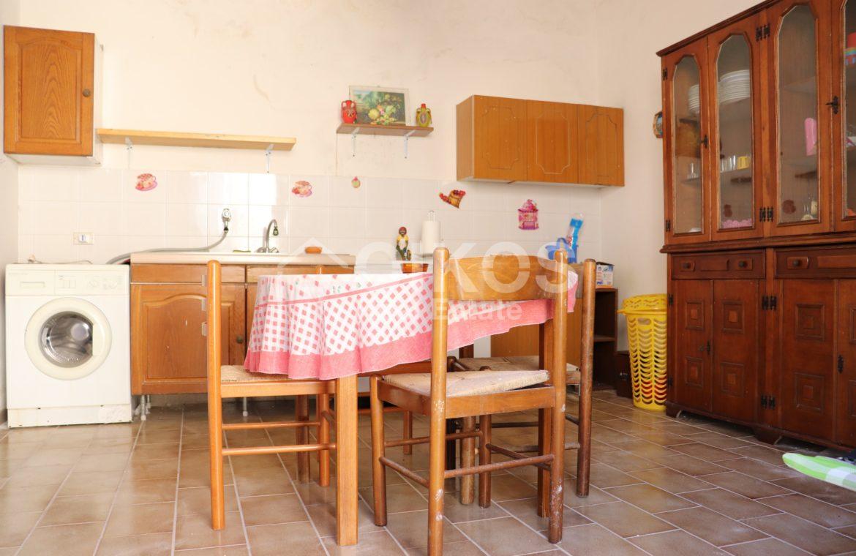 Villetta con terreno e dependance in contrada Falconara 18