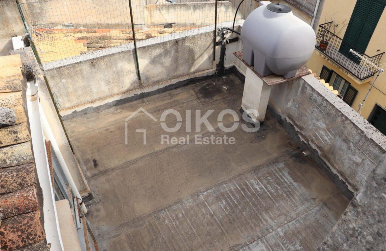 Casa singola con garage e terrazzi 4
